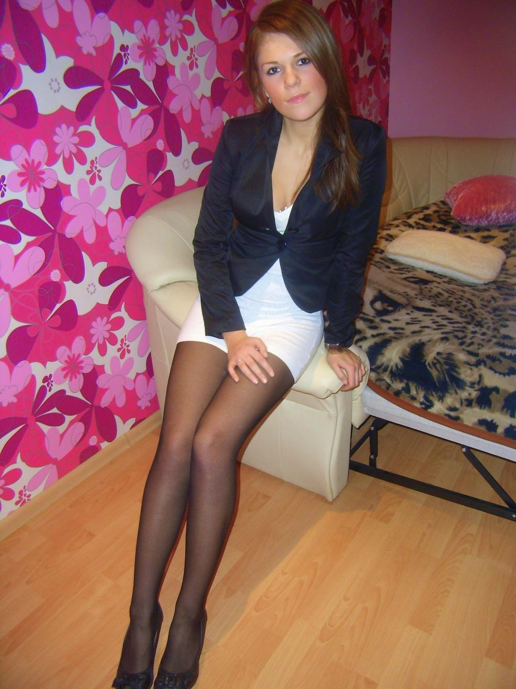 teen girls in pantyhose